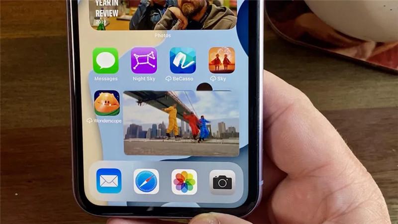 iOS 14 «Картинка в картинке» на iPhone